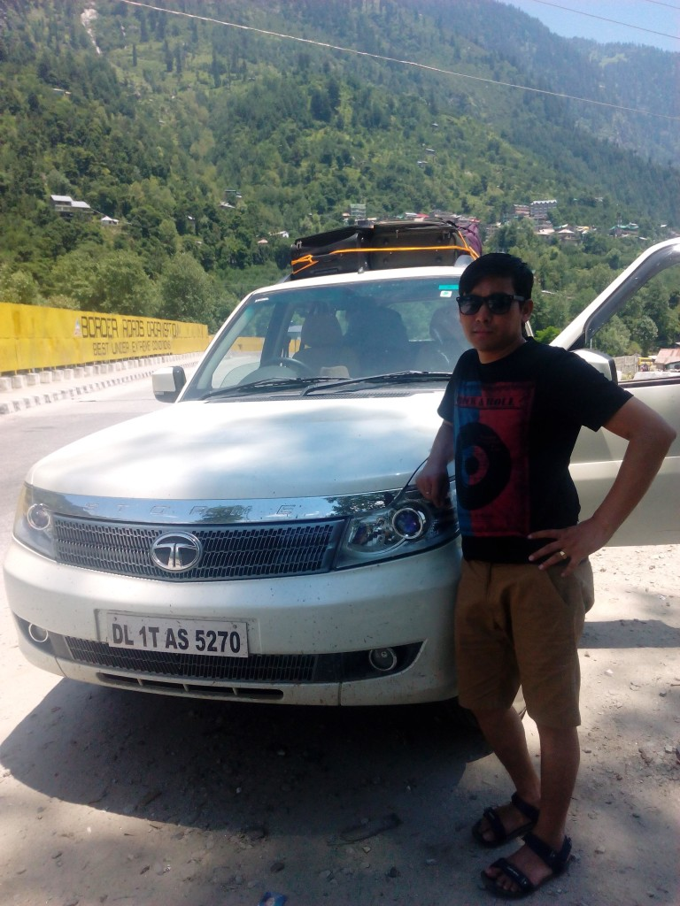 Manahar Rawat New Car (LTEN)