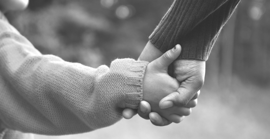 holding-hands_bw