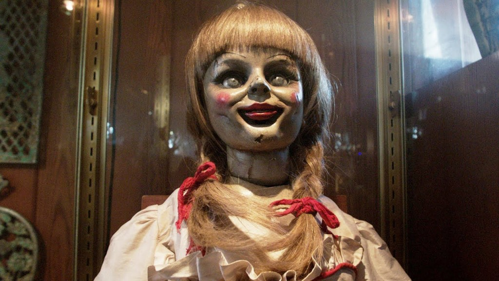 the-conjuring-2-movie-photos-special-effects-teaser-trailer-image-3